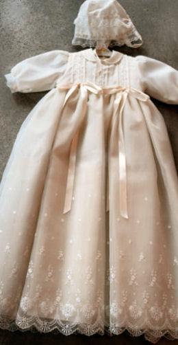 Langes Kleid mit Mutze