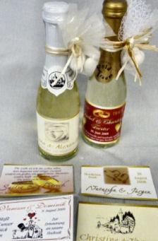 Sektflaschen als Gastgeschenk für die Hochzeit