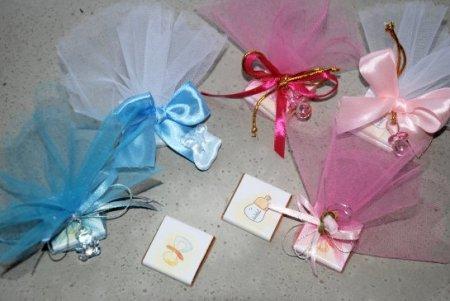 Tischdekoration mit Schokolade zur Taufe, Babyshower oder Geburt