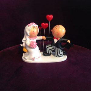 Hochzeitsfiguren als Tortendekoration