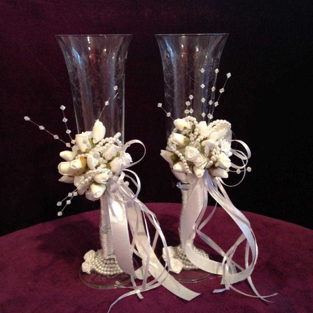 Elegante Sektgläser für die Braut und Bräutigam