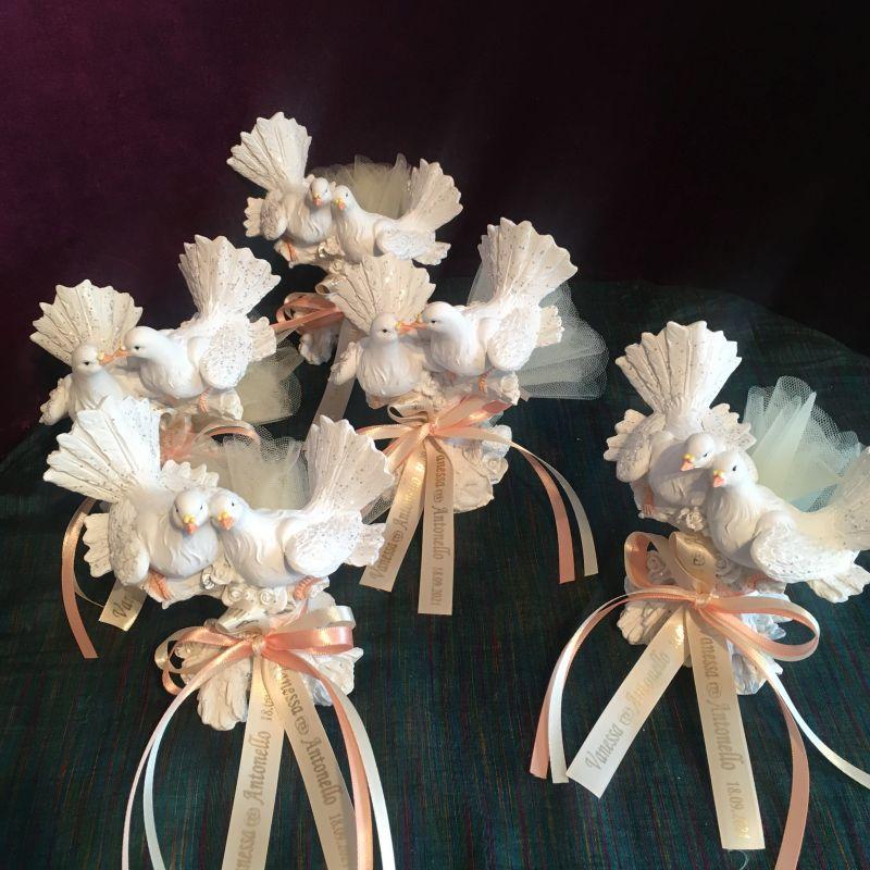 Personalisierte Bonboniere mit Tauben-Hochzeitspaar