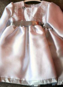 Taufkleid in weiss/silber