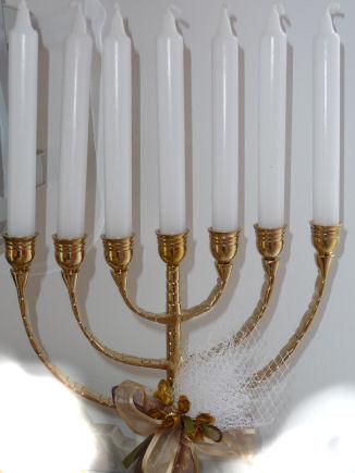siebenarmiger Kerzenleuchter- Tischdekoration für jüdische Feste