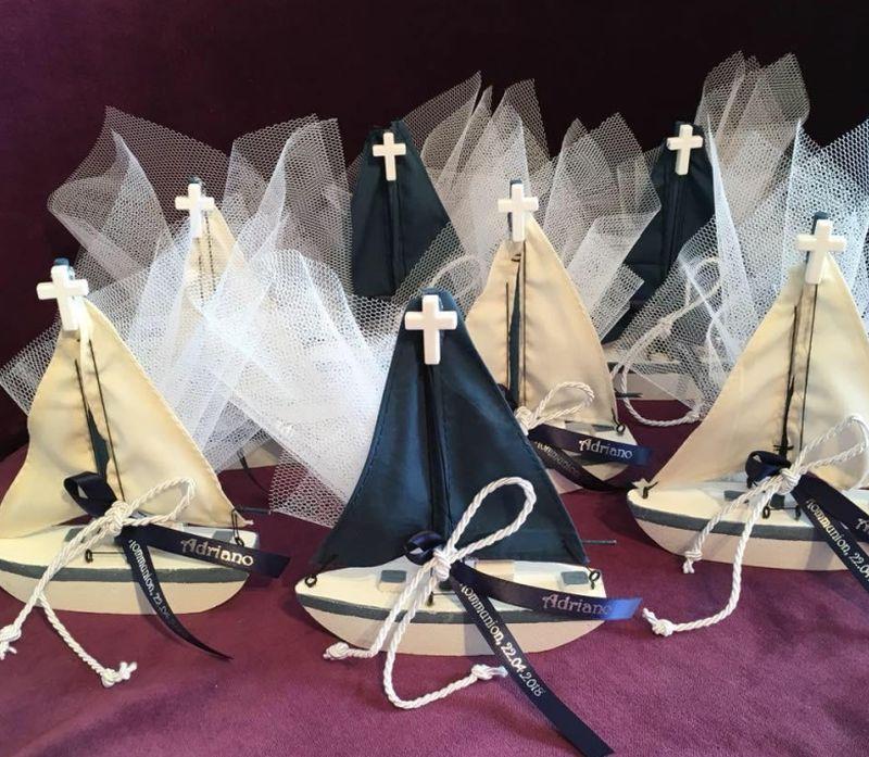 Hübsche Segelboot als Gastgeschenk Bonboniere für festliche Anläße wie Taufe Kommunion Konfirmation Firmung