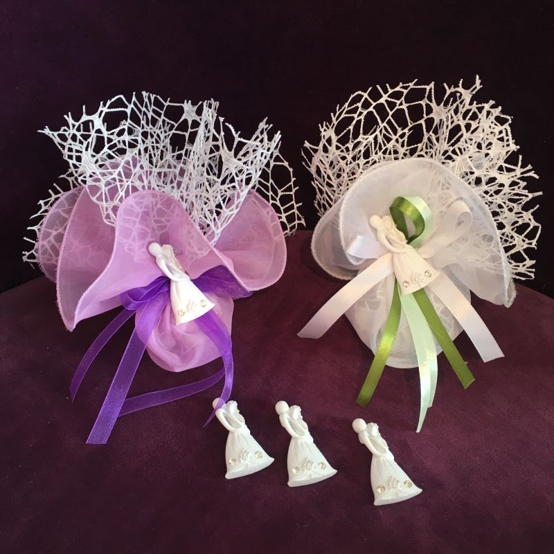 Hochzeits Bonboniere mit Brautpaarfigur