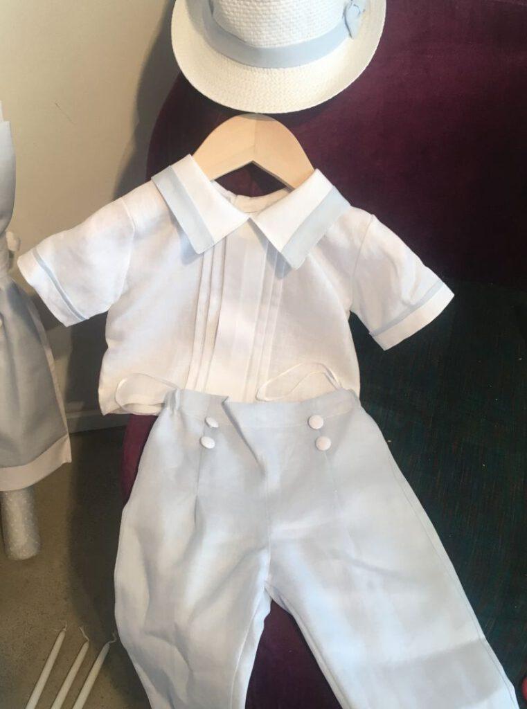 Elegantes Taufanzug aus Leinen zur Taufe