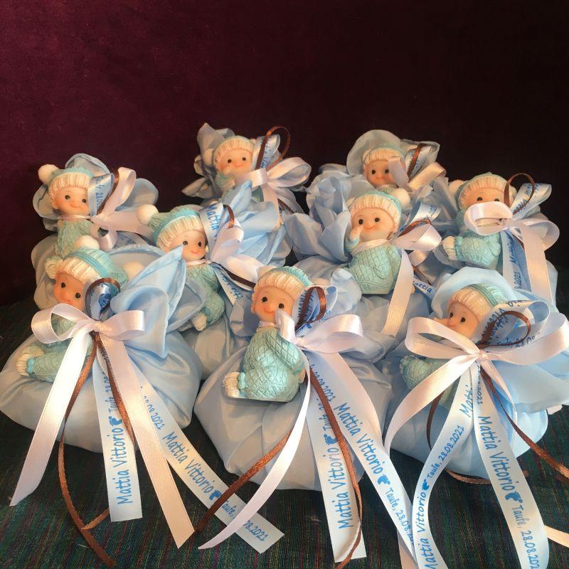 Personalisierte Bonboniere zur Taufe mit Babyfiguren
