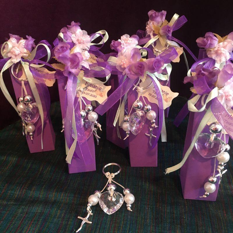 Personalisierte Bonboniere mit Schlüsselanhänger