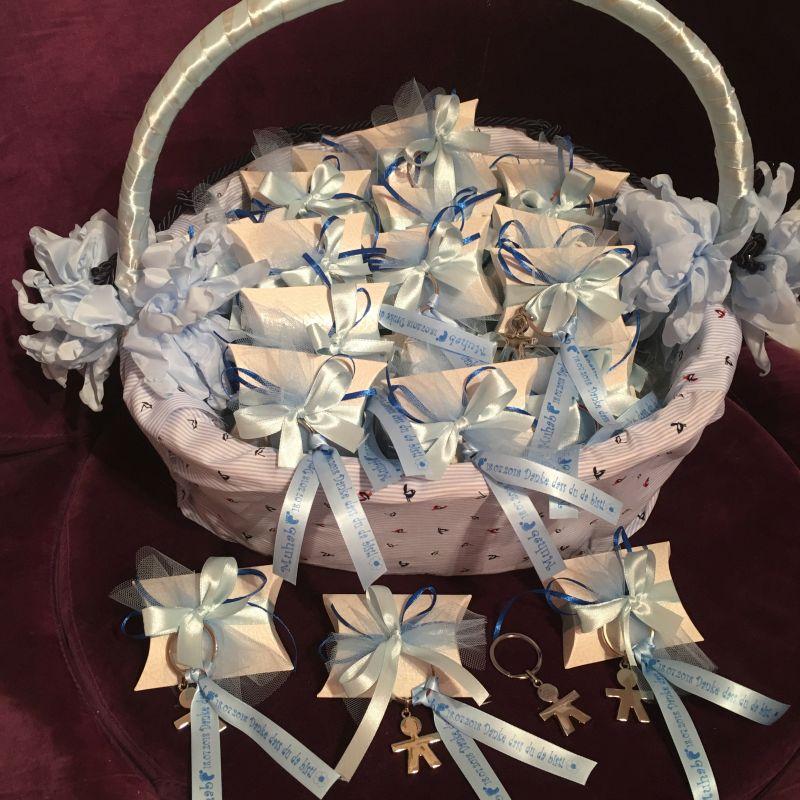 Personalisierte Bonboniere zur Taufe mit Schlüsselanhänger