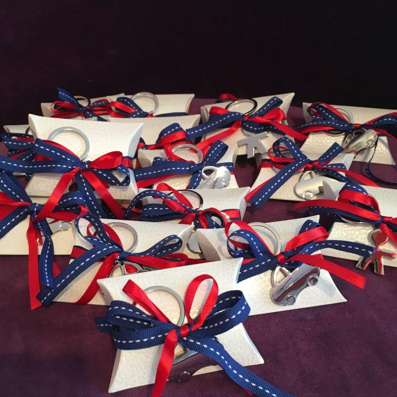 Artikel »TA06« Personalisierte Bonboniere zur Taufe mit Schlüsselanhänger