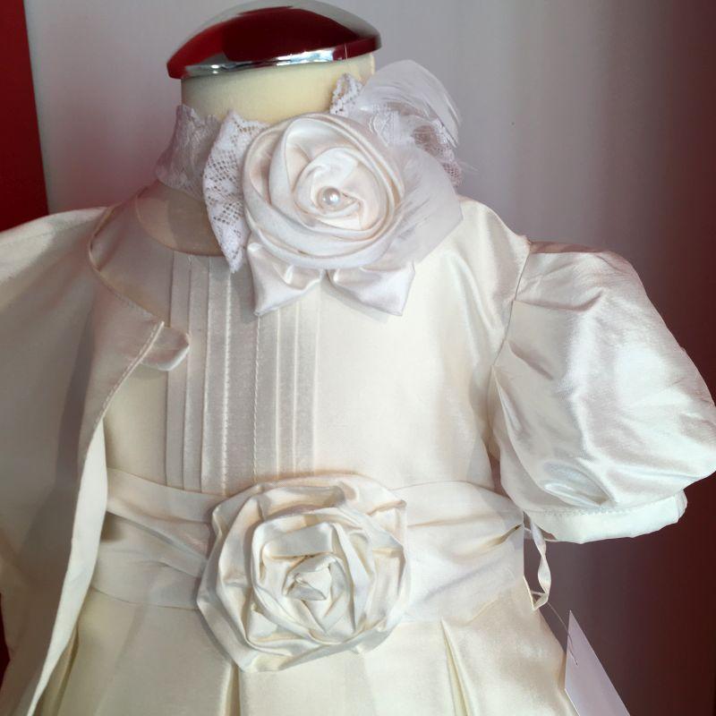 Elegantes Taufkleid für die Taufe