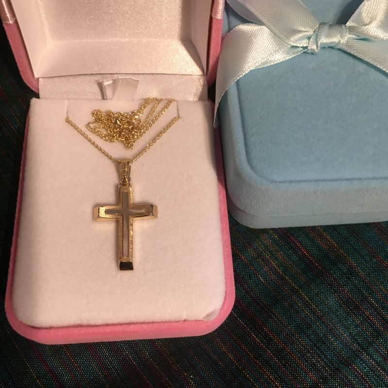 Goldene Kreuz zur heilige Taufe